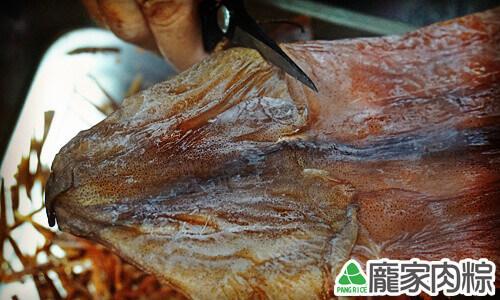 包粽子魷魚切法教學8