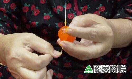 72-02包粽子切蛋不黏刀,鹹蛋切法教學(肉粽知識推薦)